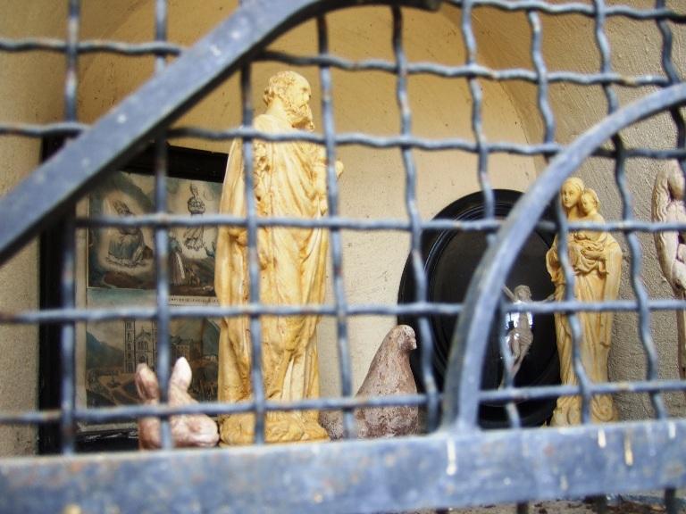 Oratoire Pre la Croix  Statues